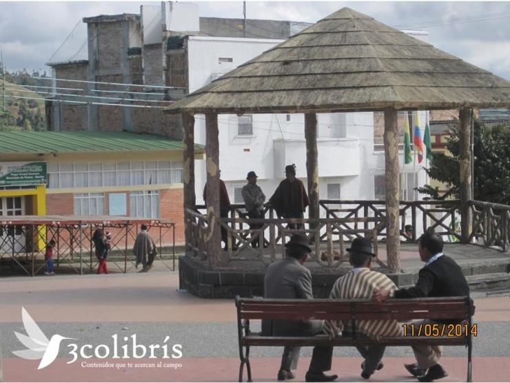 Campesinos nariñenses p.1 3colibris.jpg