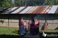 La vida en comunidad define las prácticas cotidianas en la guatemala rural. Fuente: 3Colibrís.