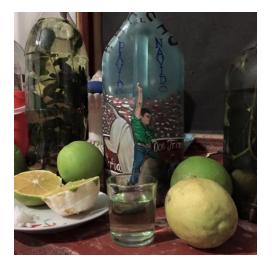 """Figura 30.- Mezcal de hierbas o """"amargo"""", típico en los hogares de Mochitlán, Guerrero."""